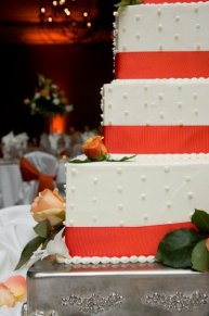 Wedding cake at Venuti's reception hall in Addison, IL
