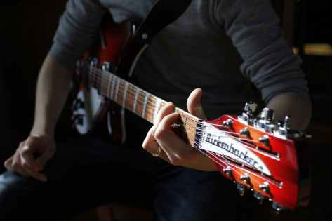 electric guitar for beginners